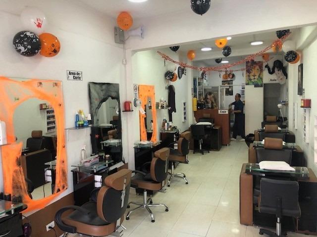 se vende equipo/mobiliario completo para peluquería