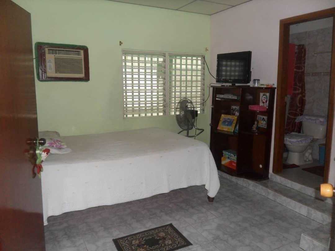 se vende espaciosa casa vía santa barbara