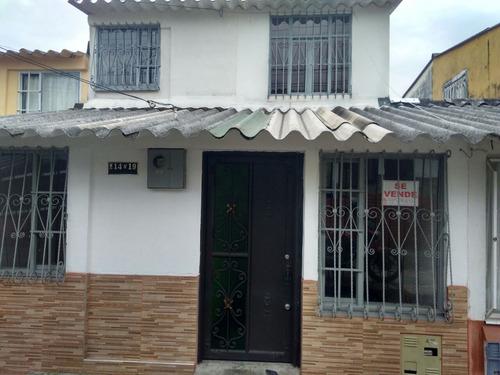 se vende espectacular casa la fachada