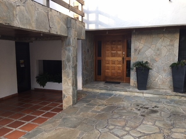 se vende espectacular townhouse en altos de guataparo