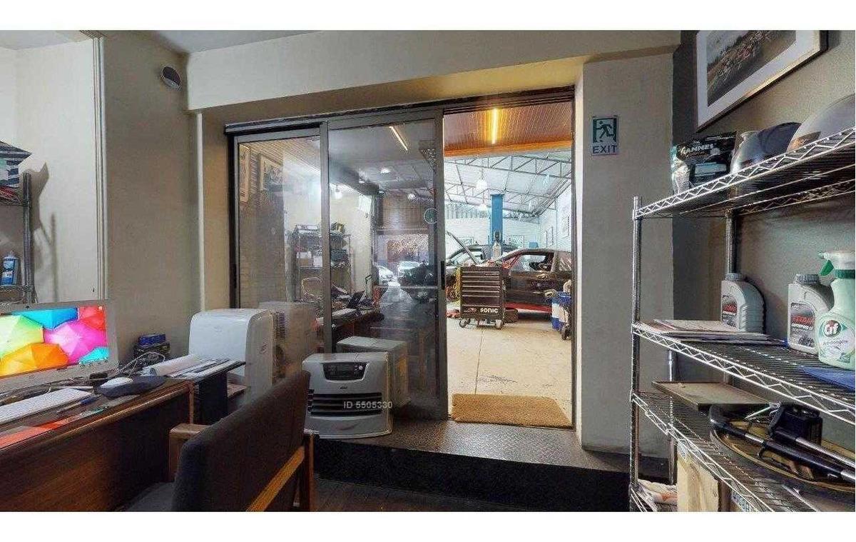 se vende, excelente sitio / galpón de 700 mts2 en barrio italia.