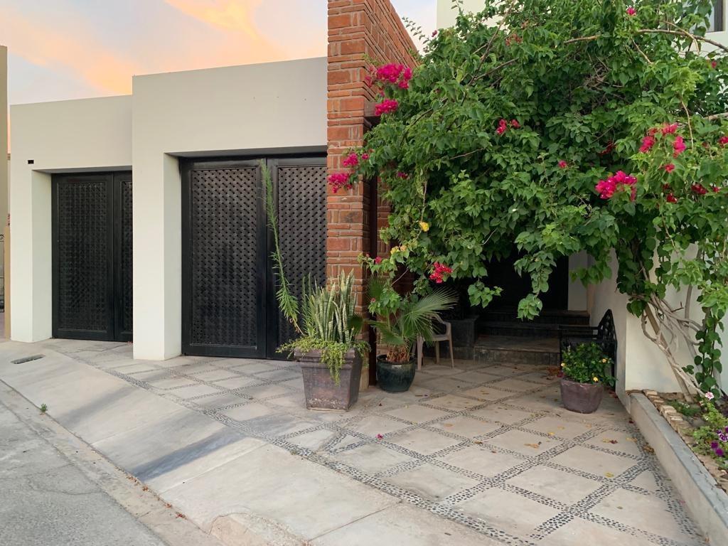se vende exclusiva residencia en fraccionamiento cataviña, mexicali, b.c.