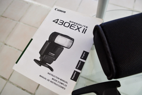se vende flash canon speedlight 430ex ii