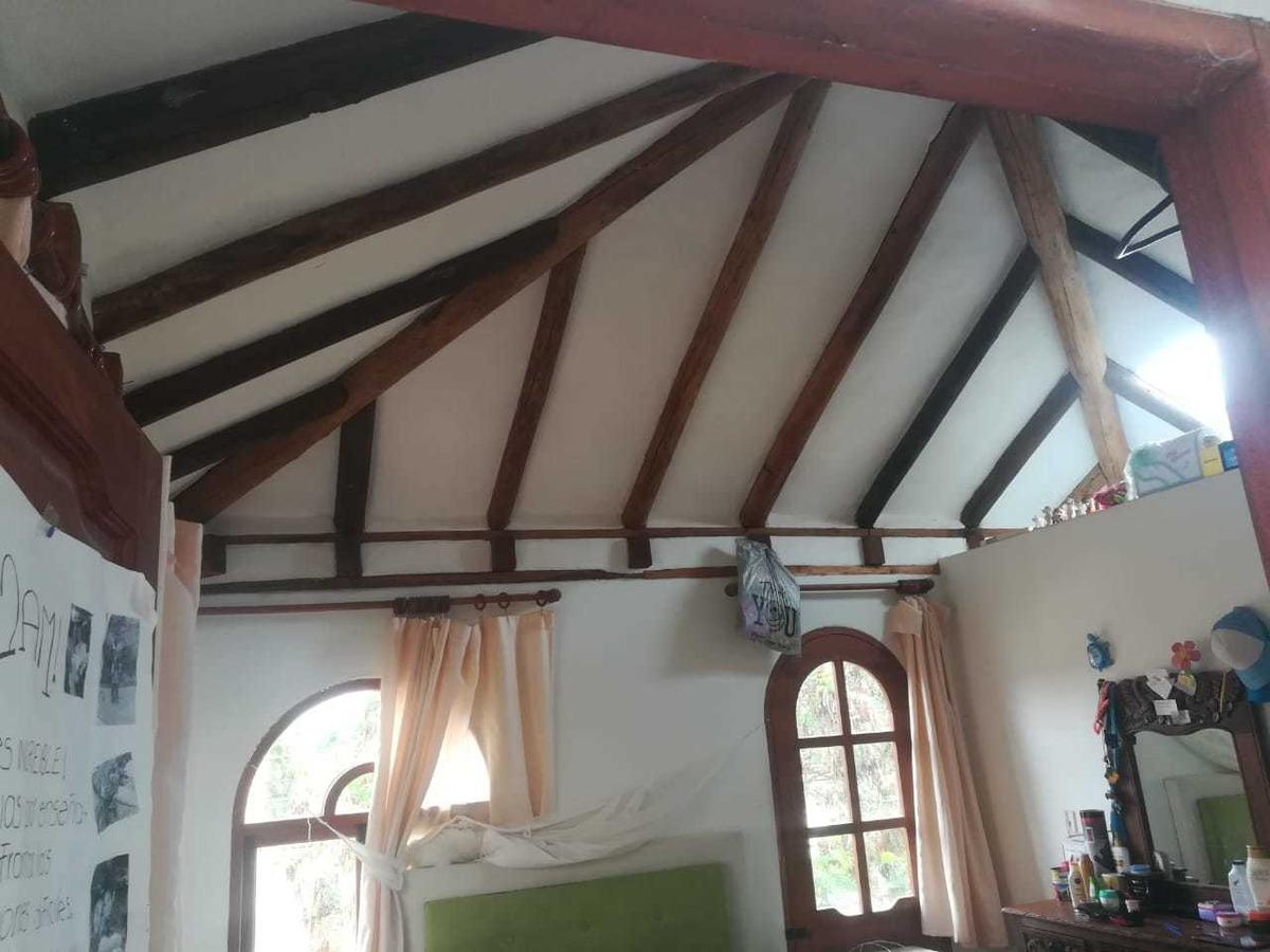 se vende hermosa casa de dos pisos en villa de leyva a 800 m