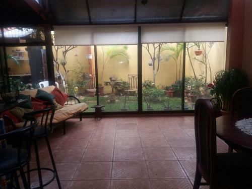 se vende hermosa casa en alajuela