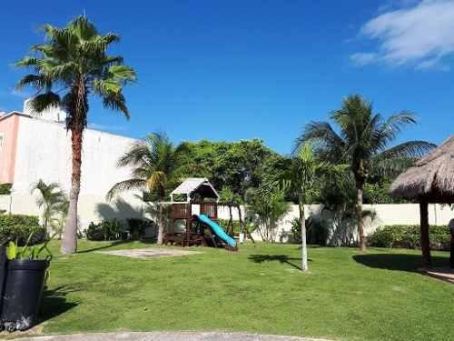 se vende hermosa casa en jardines de bonampak c2053