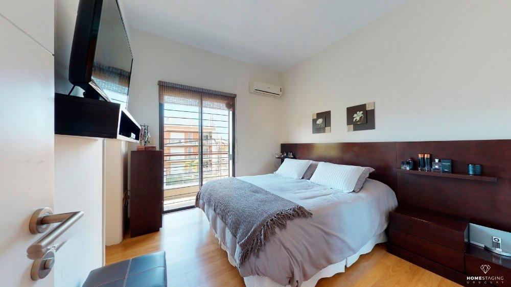 se vende hermosa casa en malvín 4 dorm. 3 baños con garage