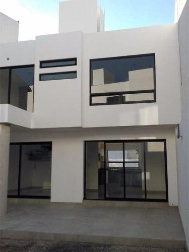 se vende hermosa casa en milenio iii, la propiedad se encuen