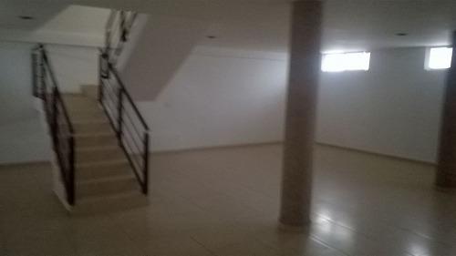 se vende hermosa casa en milenio iii, sótano, 3 recámaras.-