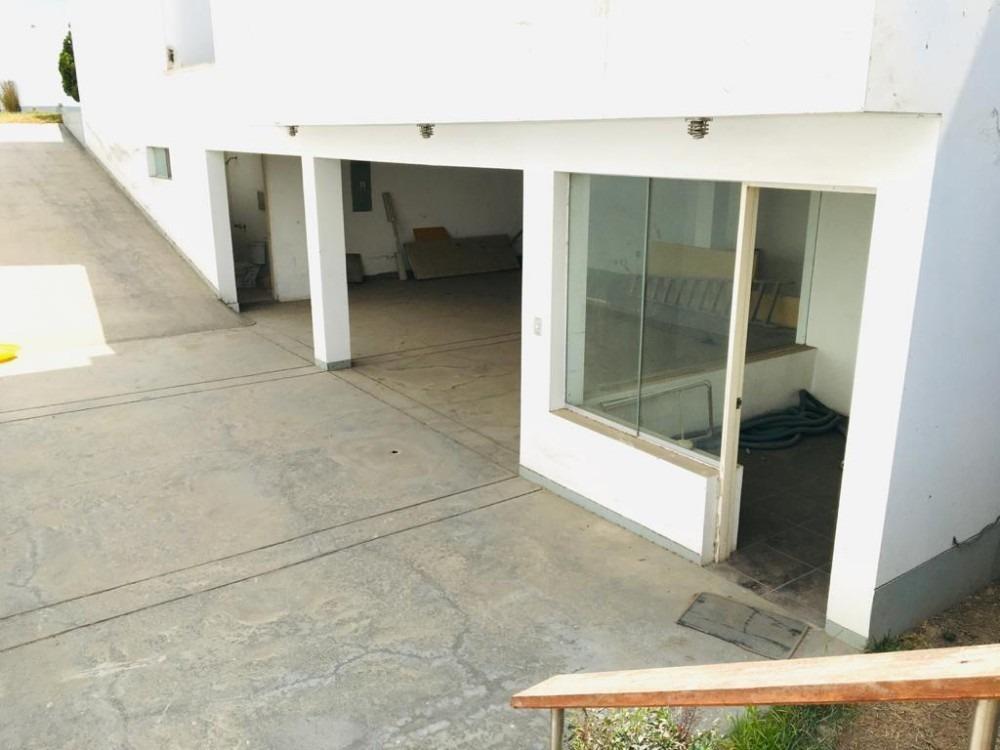 se vende hermosa casa en sol de la molina dueño directo