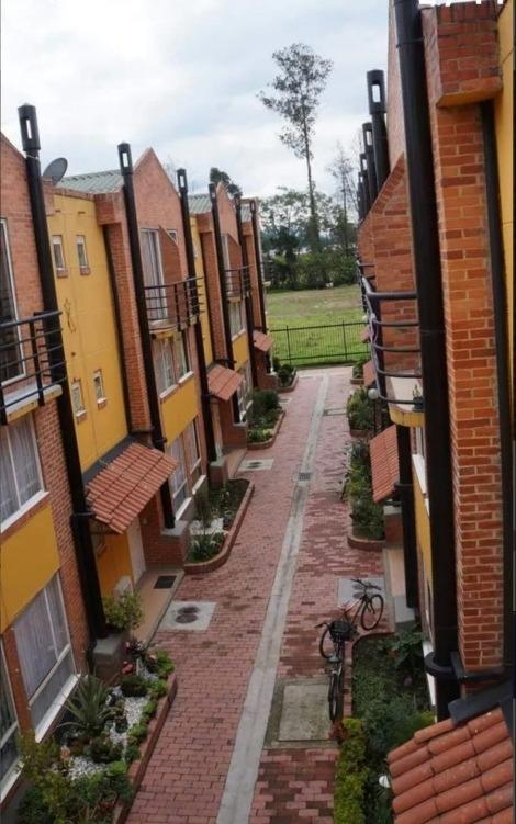 se vende hermosa casa en villas  de san andrés
