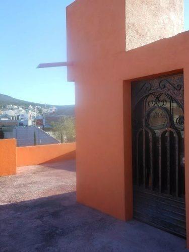 se vende hermosa casa en vista azul, 3 niveles, con una cons
