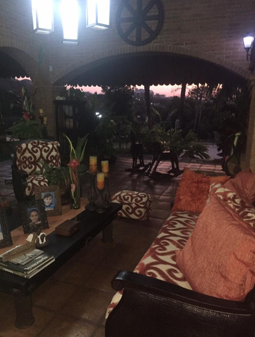 se vende hermosa casa quinta en guataparo country club