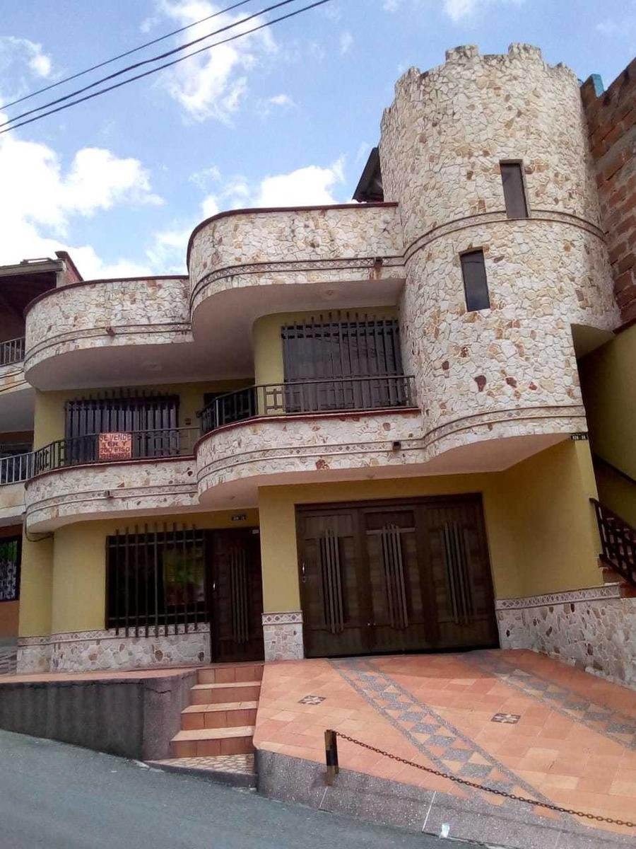se vende hermosa propiedad 2 pisos más terraza