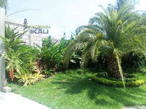 se vende hermoso terreno frente a la laguna de tampamachoco en tuxpan veracruz, es un fantástico terreno de 1000 m² son 25 m de frente por 40 m de fondo, está completamente bardeado con portón princi