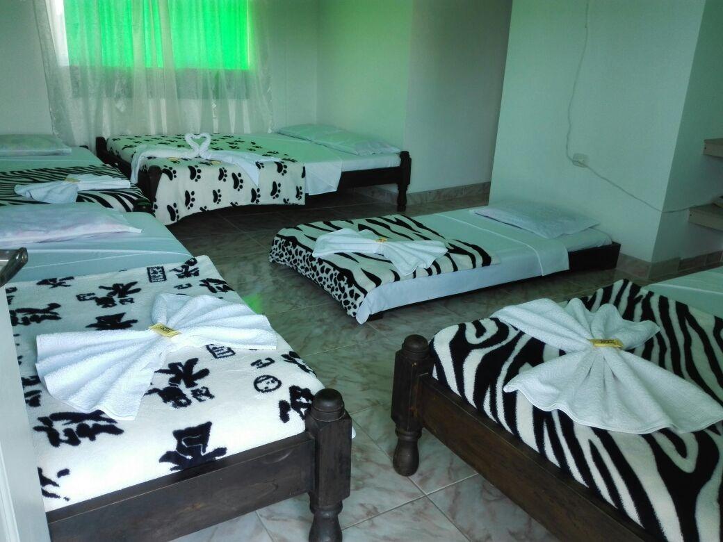 se vende hotel campestre en  montenegro - circasia