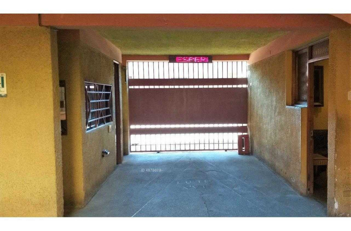 se vende hotel en el casco histórico de santiago