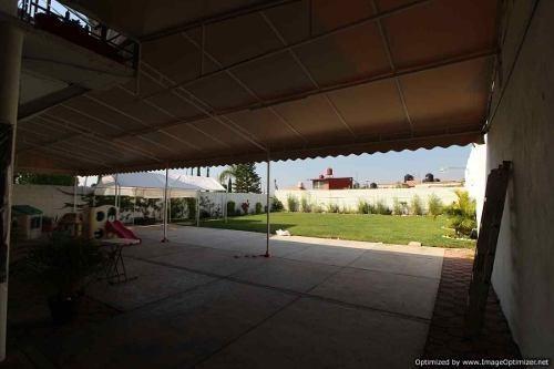 se vende jardín de eventos con salón y locales clave jsl737