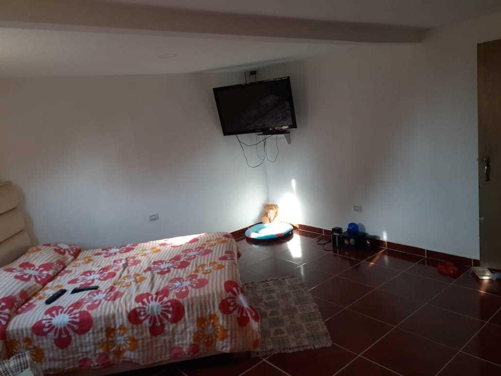 se vende linda casa de 2 plantas a buen precio en armenia
