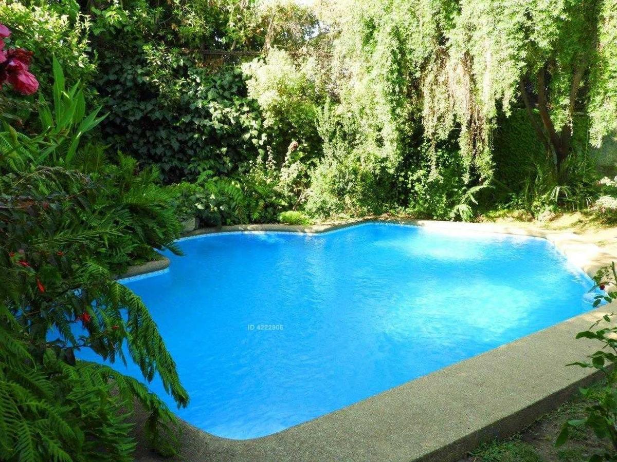 se vende-linda casa en sector jardin del este-vitacura
