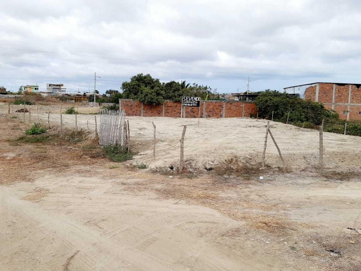 se vende lindo terreno a precio de remate frente a la via.