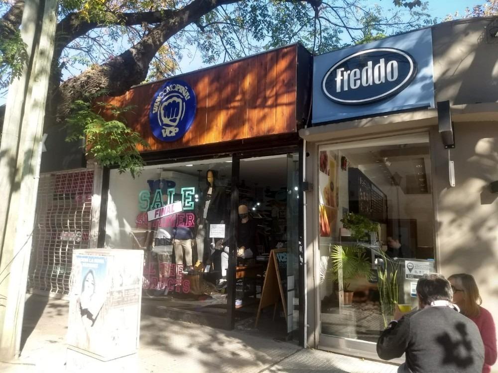 se vende local comercial en inmejorable zona de san isidro