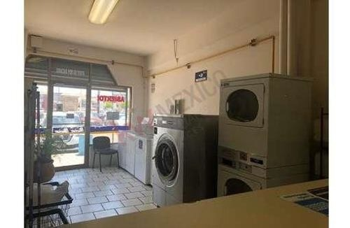 se vende local en plaza santa fe