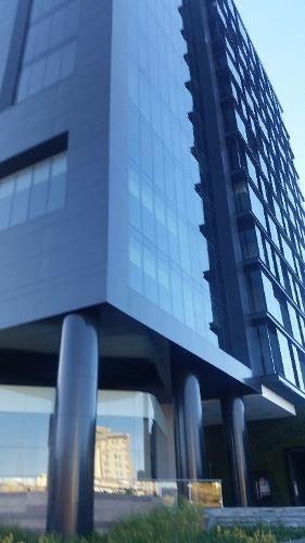 se vende local en torre azenzo!! el edificio mas nuevo y exclusivo!!
