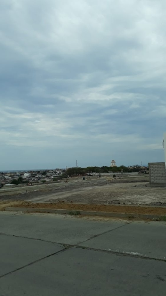 se vende lotes de terreno urbanizado en manta