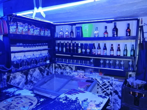 se vende menaje para bar