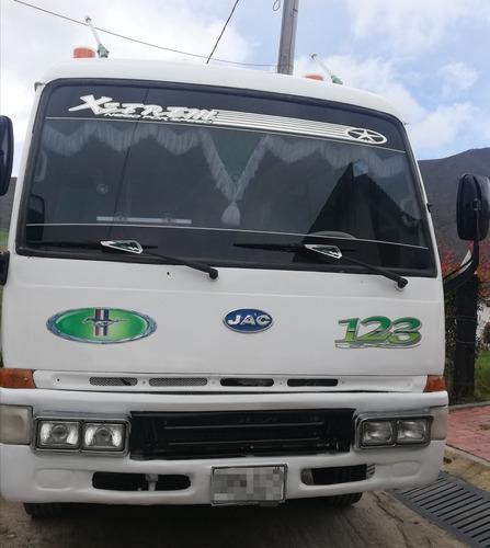 se vende microbus capacidad 19 personas