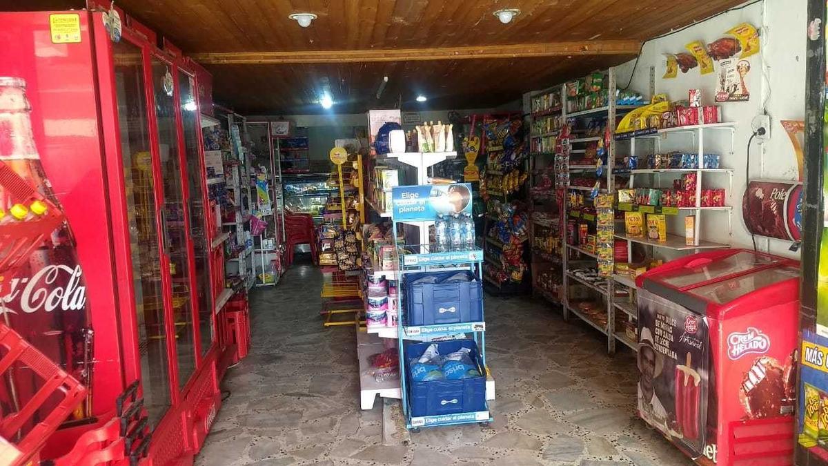 se vende mini mercado excelente ubicación y muy buen precio