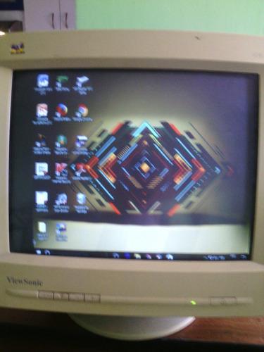 se vende monitor de marca viewsonic