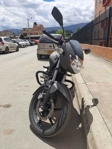 se vende moto apache 160
