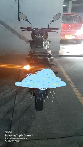 se vende moto discover 150 st