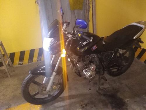 se vende moto jincheng 2014 con soat