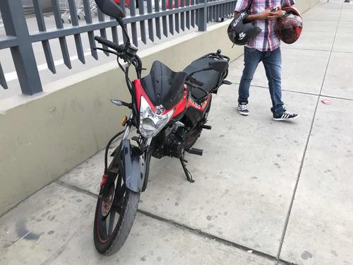 se vende moto ssenda, con 11km, buen estado, precio a negoc