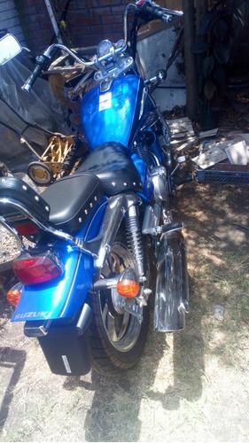 se vende moto suzuki gz 150