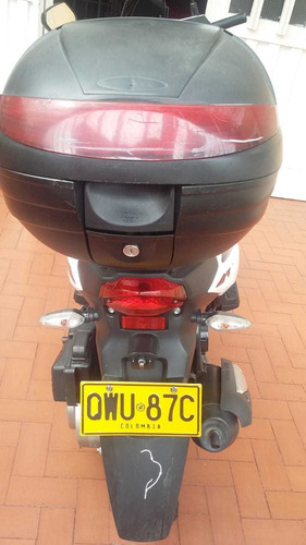 se vende motocicleta akt dynamic 125sc como nueva