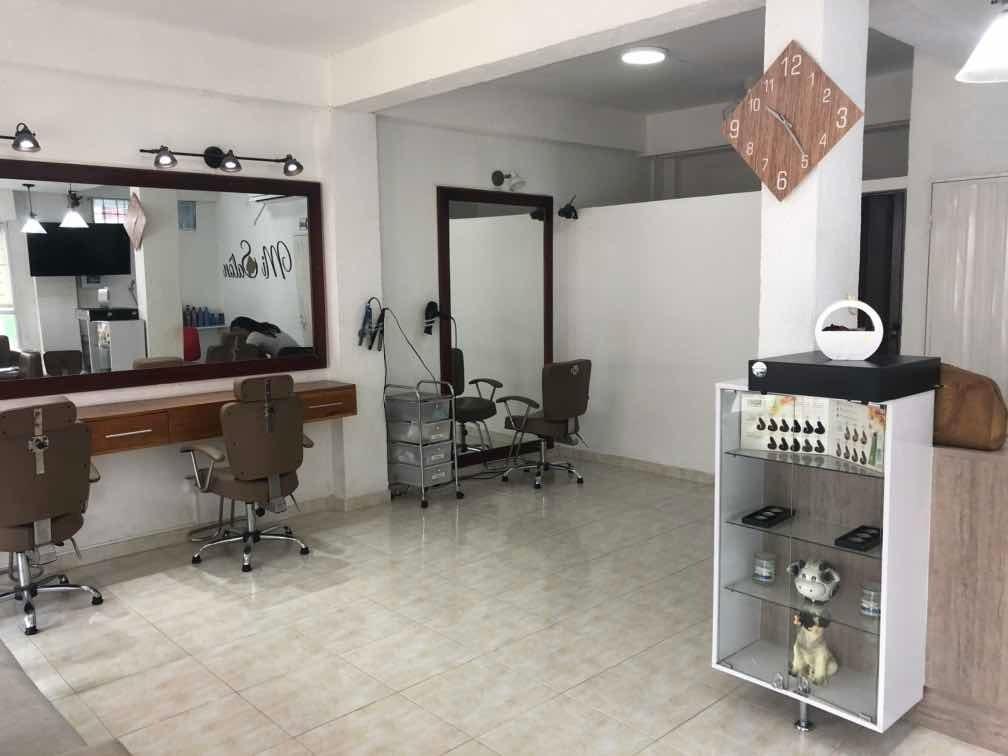 se vende negocio de peluquería y estética con todo!