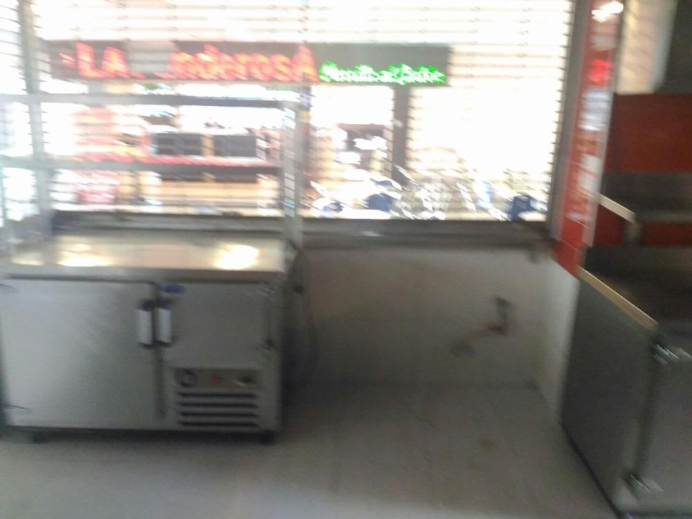 se vende o arrienda local de comidas en c.c. bulevar