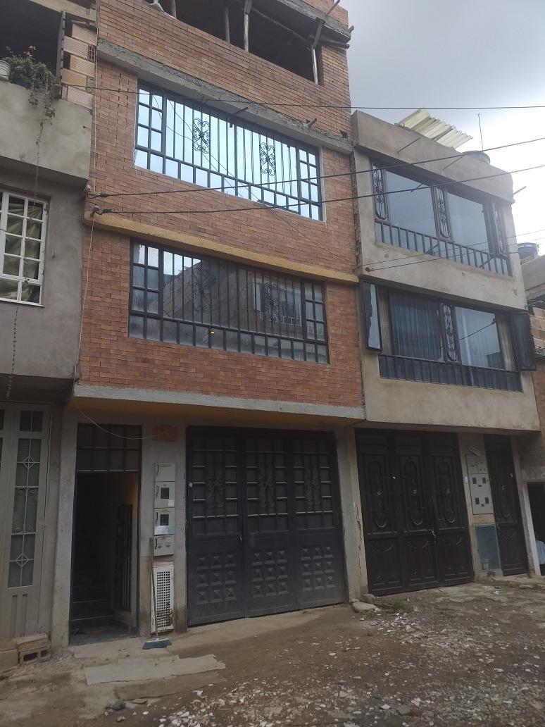 se vende o se permuta casa de 4 pisos en unir 2