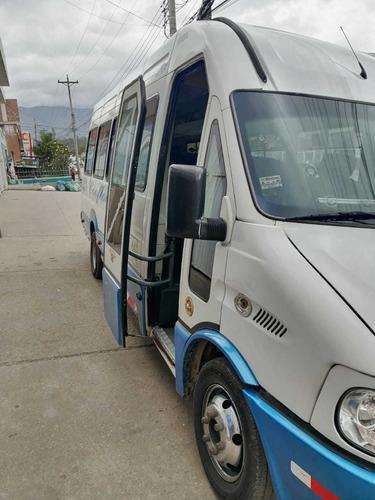 se vende o se permuta microbus en duitama-boyacá