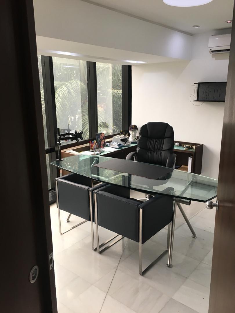 se vende oficina 115m2 las mercedes