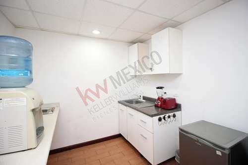 se vende oficna con excelente ubicación en el fracc. el toreo en mazatlán