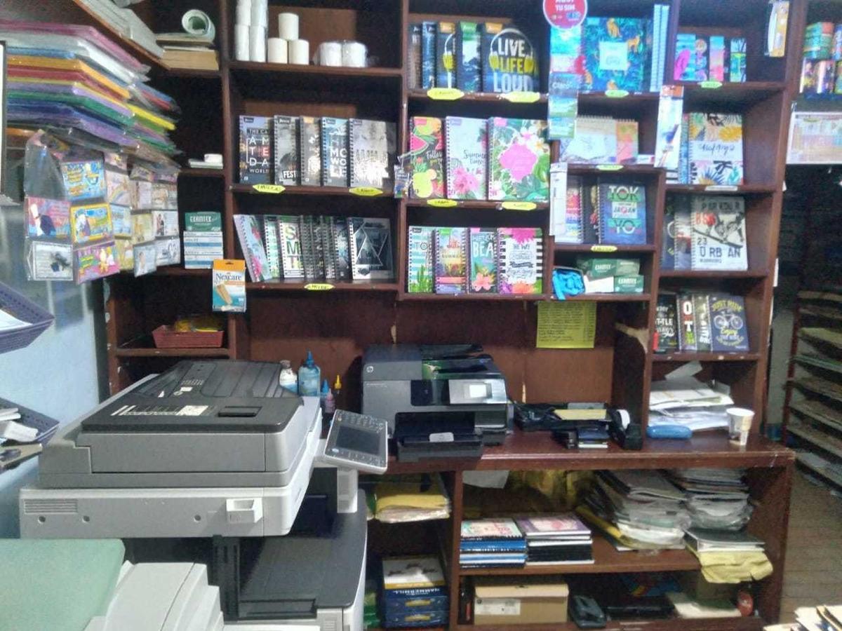 se vende papelería con aparta estudio