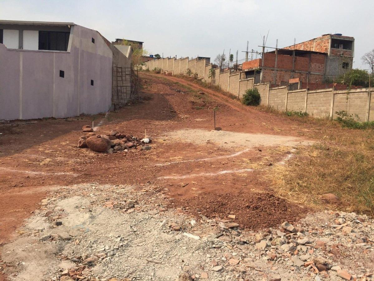 se vende parcela de terreno en la urbanizacion puerta de sol