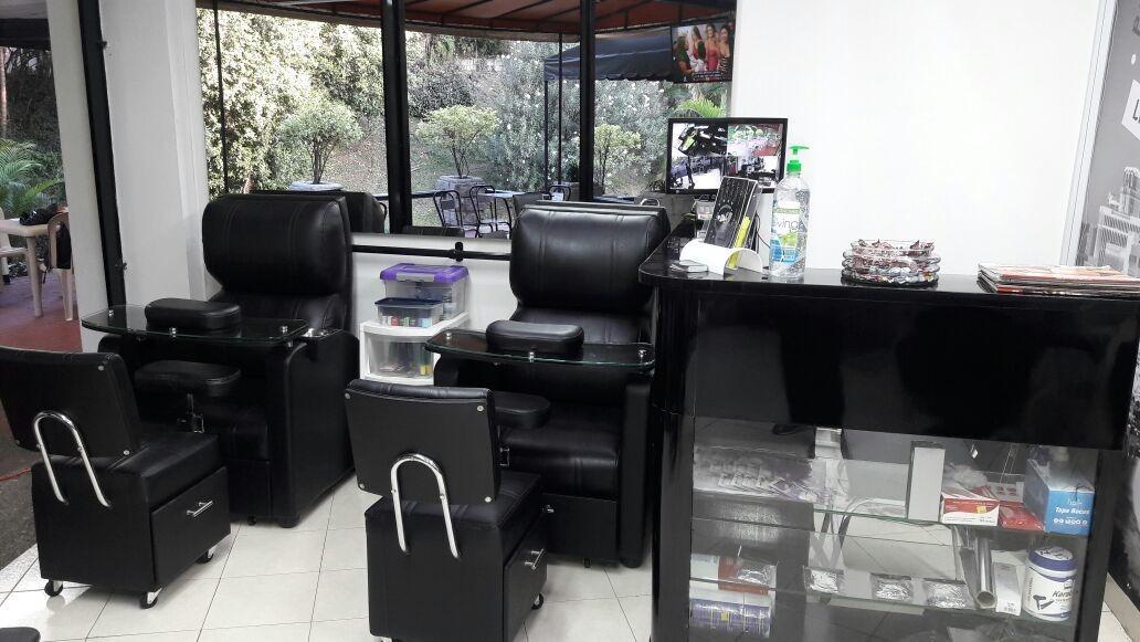 se vende peluqueria barberia spa las vegas