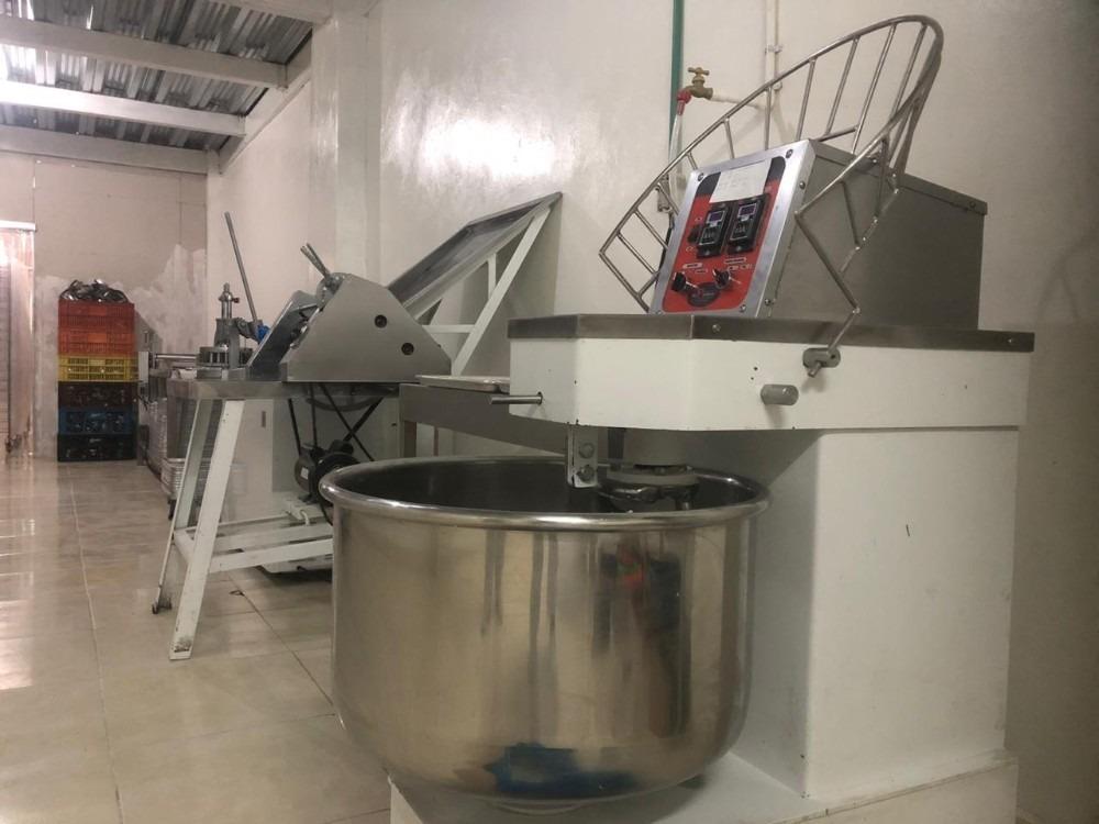 se vende planta de producción de panes empacados