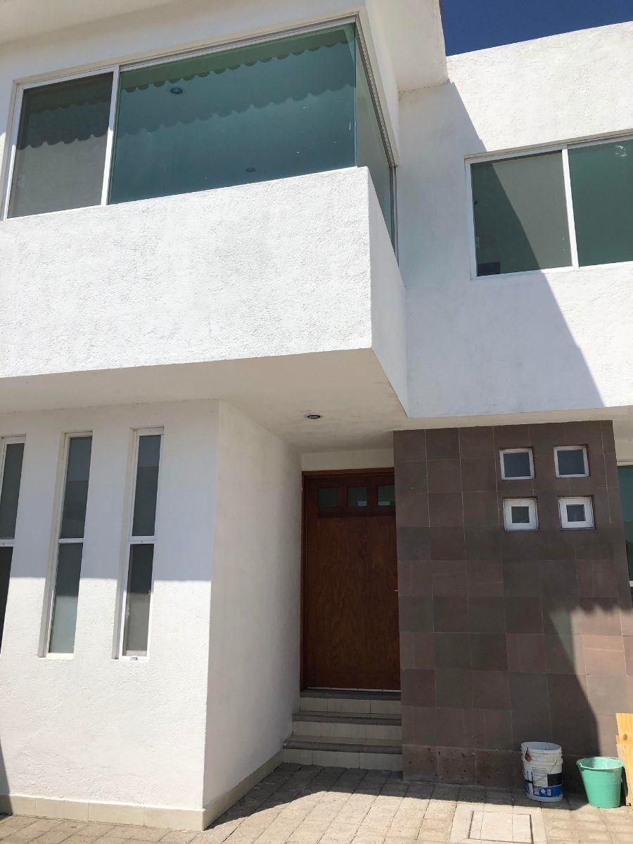 se vende preciosa casa en milenio, gran jardín, terraza, 4 recamaras, 3.5 baños